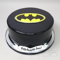 Batman Symbol (fondant cake version)
